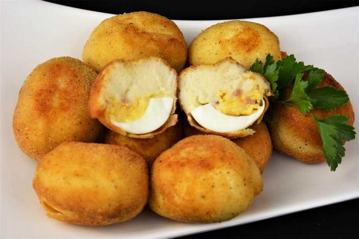 Croquetas de huevo relleno con jamón y queso. Programa nº 86