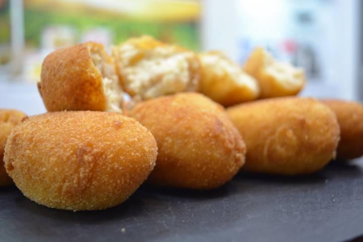 Croquetas de pollo y huevo | Javier Romero
