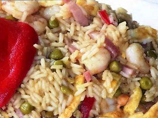 Arroz tres delicias al estilo chino