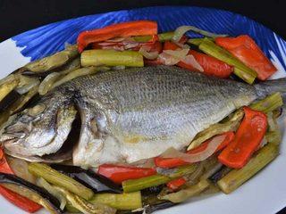 Dorada al horno con verduras, recetas para dieta. Programa nº 88