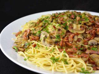 Espaguetis con champiñón al ajillo y beicón | Javier Romero Cap. 125 - Temporada 2