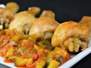 Muslos de pollo asados con pisto casero. Programa nº 45